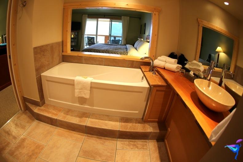 West Coast Wilderness Lodge Vacations Abroad Egmont, British Columbia bathroom